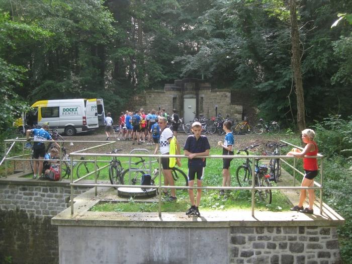 24 Picknickstop aan de Rue de Triffoys